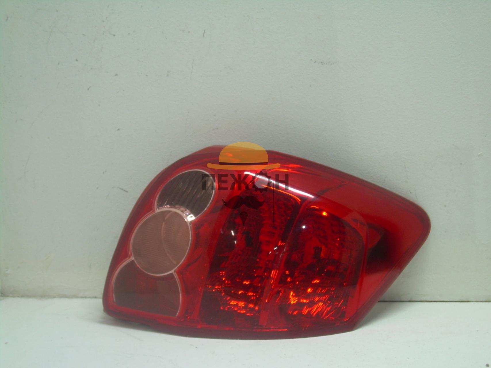 фонарь Toyota Аурис #11